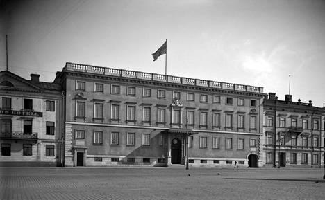 Ruotsin suurlähetystö julkisivuremontin jälkeen vuonna 1925.
