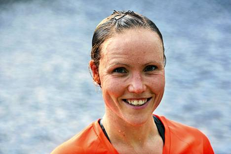EM-kisoihin valmistuva Kaisa Lehtonen päihitti toiseksi tulleen Maria Söderholmin yli kymmenellä minuutilla.