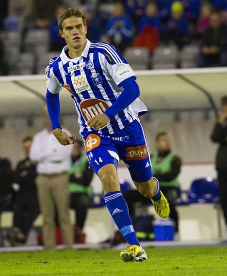 Kaudella 2013 Eero Markkanen pelasi kuusi ottelua HJK:n riveissä lainasopimuksella.