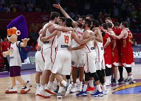 Espanjan miesten koripallomaajoukkue juhli EM-pronssimitaleita Turkin Istanbulissa.