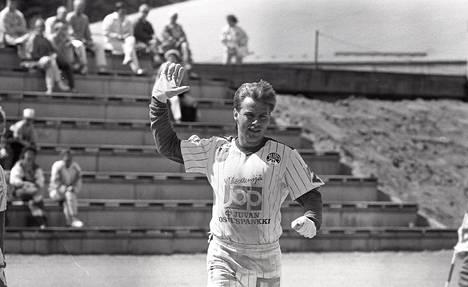 Hannu Manninen oli ennen pelinjohtajan tehtävää Juvan Pallon pelaaja.