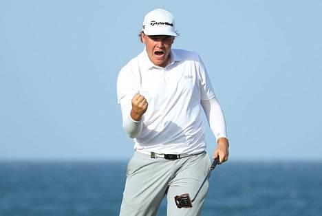 Sami Välimäki juhli uransa ensimmäistä golfin Euroopan-pääkiertueen voittoa Omanissa maaliskuussa juuri ennen kuin koronaviruspandemia keskeytti lähes kaiken urheilun maailmassa.