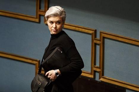 Kokoomuksen kansanedustaja Susanna Koski eduskunnan täysistunnossa Helsingissä 27. helmikuuta.