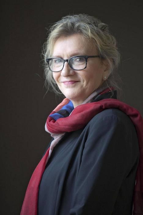 """""""Rakastan kaikkia henkilöitäni – eniten siksi, että he ovat keksittyjä, eivät todellisia"""", kirjailija Elizabeth Strout sanoo."""
