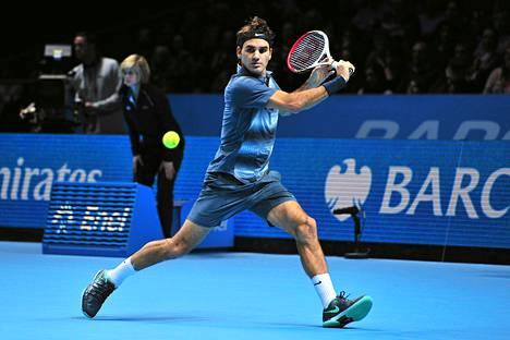 Federer pehmitti Juan Martin Del Potron ATP-kiertueen finaaliturnauksessa.