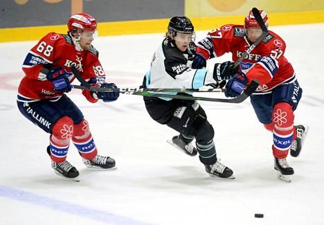 HIFK ja Pelicans pelasivat 6. lokakuuta 2020 Helsingissä: perjantaina ja lauantaina joukkueet kohtaavat peräkkäisinä päivinä.