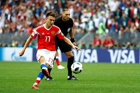 Aleksandr Golovin teki maansa viidennen maalin Saudi-Arabiaa vastaan Venäjän MM-kisoissa.