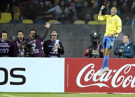 Robinho teki maalin tappioon päättyneessä Copa American puolivälierässä Paraguayta vastaan.