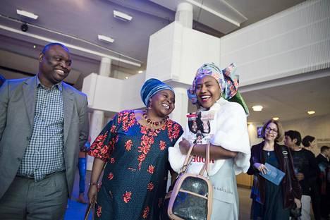 Godwin Osabuolfien, Fatima Usma ja Josephine Atanga osallistuivat Monikulttuuriseen itsenäisyyspäivän juhlaan Finlandia-talolla.