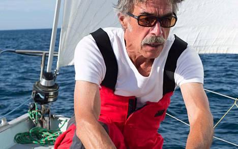 Ranskalaiskippari Loïc Lepage on joutunut merihätään.