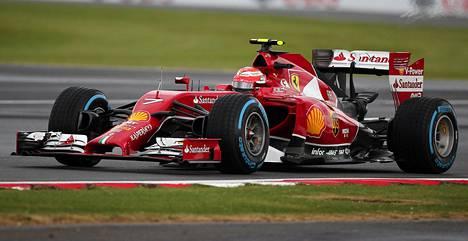 Kimi Räikkönen jäi kauas kärjestä Britannian GP:n aika-ajossa.