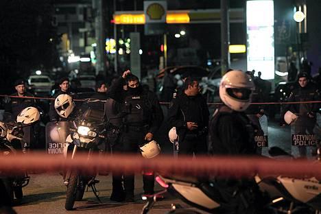 Poliisit eristivät ampumapaikan Ateenassa perjantain ja lauantain välisenä yönä.