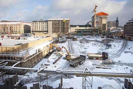 Torin alle rakennettavan pysäköintiluolan teko on jo hyvässä vauhdissa Turun keskustassa.