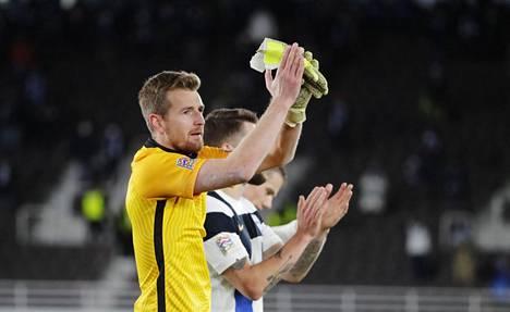 Huuhkajat palkittiin Urheilugaalassa Vuoden joukkueena. Maalivahti Lukas Hradecký valittiin Vuoden urheilijaksi.