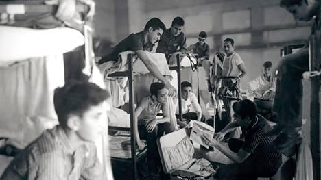 """14000 kuubalaista lasta lähetettiin vuosina 1960–1962 """"turvaan"""" Yhdysvaltoihin. Kuva lyhytelokuvasta Pedro Pan."""