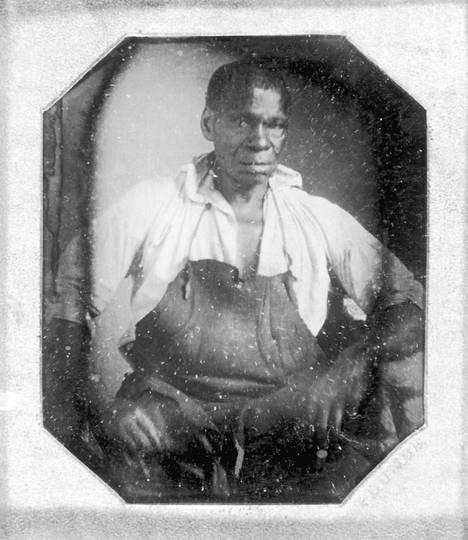 Thomas Jeffersonin orjana sepän töitä tehnyt ja sittemmin vapautettu Isaac Jefferson noin vuonna 1847.