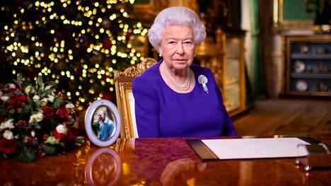 Puheensa aikana kuningatar Elisabet II viittasi usein Raamatun sanomaan Jeesuksesta valontuojana.