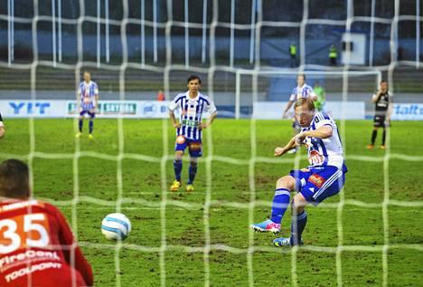 Mikael Forssell epäonnistui rangaistupotkussa FC Lahtea vastaan. Hän teki myös ottelun voittomaalin.