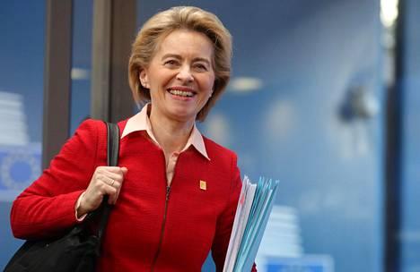 EU-komission puheenjohtaja Ursula von der Leyen helmikuisessa huippukokouksessa Brysselissä.
