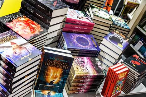 Kirjakauppaverkosto oli vaikeuksissa jo ennen koronapandemiaa.