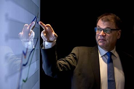 Pääministeri Juha Sipilä sanoi maaliskuussa Turussa, että Suomesta tulee tekoälyn soveltamisen kärkimaa ja se edellyttää, että miljoona suomalaista on koulutettava uudelleen.