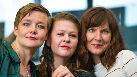 Trio Lagossa soittavat Mirka Malmi (vas.), Ida-Vilhelmiina Sinivalo ja Tiina Karakorpi.
