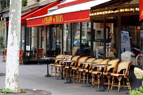 Pariisilaisravintolan terassi lokakuussa 2020.