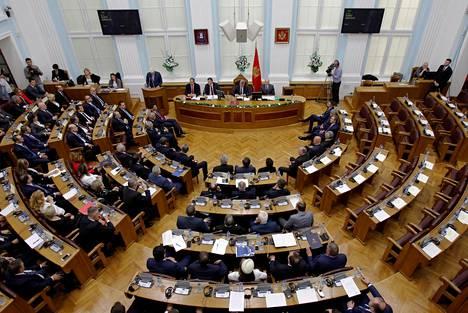 Montenegron parlamentti vahvisti liittymisen Natoon istunnossaan Cetinjessä perjantaina.