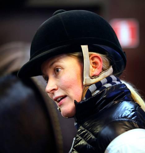 Asuntojen rakennusaikeet tulivat hevosharrastaja Hanna Korpiselle yllätyksenä.