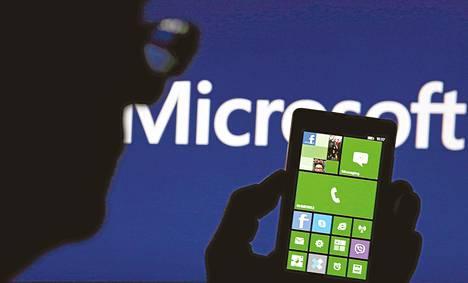 Microsoftilla ja Applella on ollut ongelmia puhelimiensa kanssa.