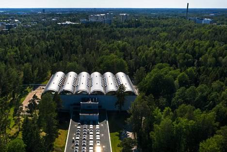 Uusi monitoimihalli Pirkkolan liikuntapuistossa on nostattanut voimakasta vastarintaa. Hallia on suunniteltu uimahallin kupeeseen.