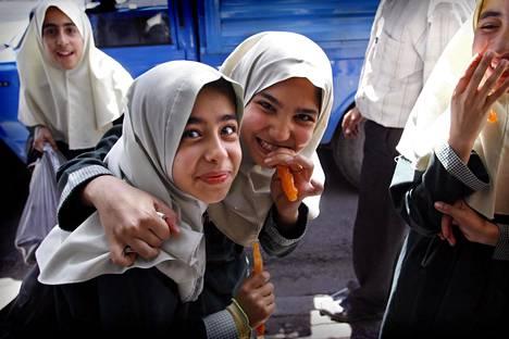 Huiveja on monenlaisia. Tämä kuva on Iranista.