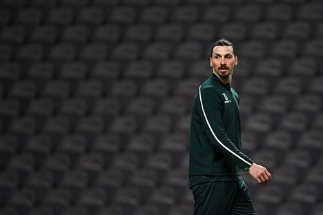 Zlatan Ibrahimovic on harjoittelut viime viikkoina tukholmalaisseura Hammarbyn kanssa, jonka omistajiin hän kuuluu.