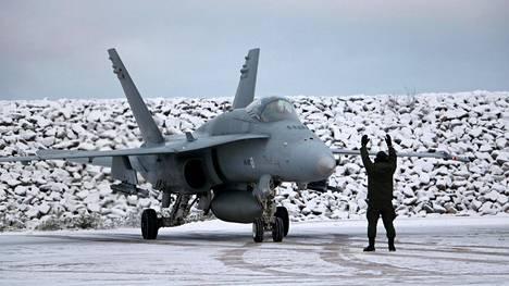 Ilmavoimat on korvaamassa Hornet-hävittäjiä uusilla koneilla. Valtioneuvosto päättää asiasta tämän vuoden lopulla.