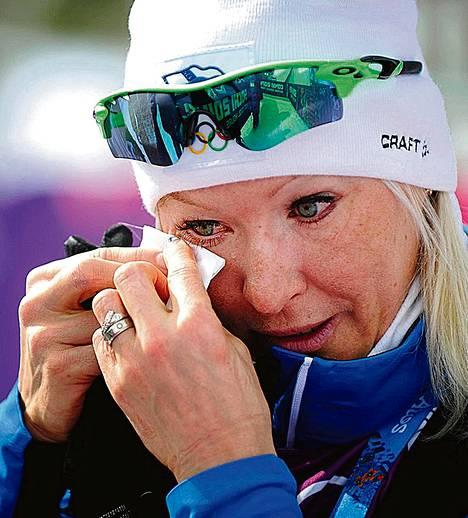 Riitta-Liisa Roponen vuodatti onnenkyyneliä vielä seuraavanakin päivänä sen takia, että Sami Jauhojärvi sai olympiakultaa viime hetkellä.