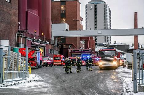 Tampereen Takon kartonkitehtaan tulipalo saatiin sammutettua.