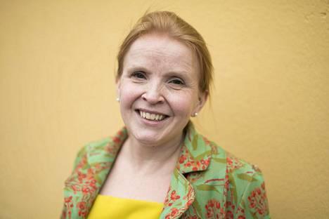 Jenni-Juulia Wallinheimo-Heimonen puhuu empatian puolesta.