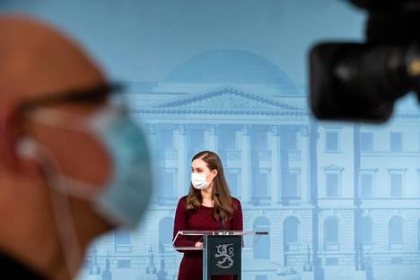 Pääministeri Sanna Marin sekä perhe- ja peruspalveluministeri Krista Kiuru kertoivat hallituksen uusista toimista koronaepidemiaa vastaan.