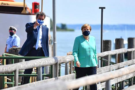 """In July, Markus Söder hosted Chancellor Angela Merkel in Bavaria in a remarkably prominent manner.  Merkel did not admit that she favored Söder as her successor but contented herself with saying that """"Bavaria has a good prime minister""""."""