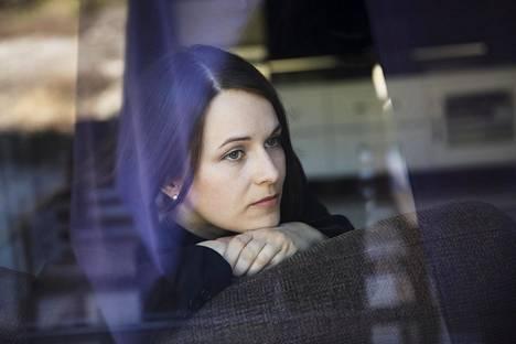 Laura Hyvärinen ei saanut vaikeana raskausaikanaan vertaistukea keneltäkään. Nyt hän johtaa voimakasta raskauspahoinvointia varten perustettua yhdistystä.