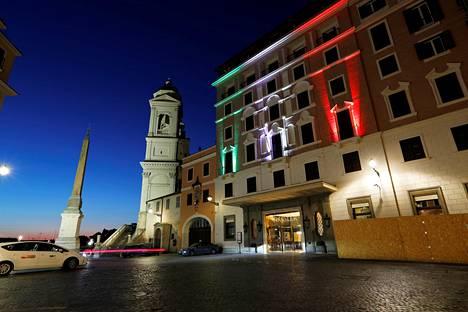 Viiden tähden hotelli Hassler Roomassa oli suljettuna vielä tällä viikolla pandemiasta johtuvan asiakaskadon vuoksi.
