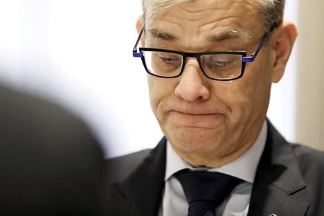 Ulkoministeriön konsulipäällikkö Pasi Tuominen ajautui kiistaan al-Holin kotiutuksista ulkoministeri Pekka Haaviston (vihr) kanssa.