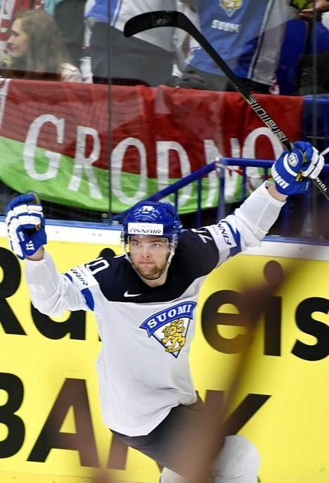 Teemu Hartikainen viimeisteli Suomen 2–1-maalin Valko-Venäjää vastaan.
