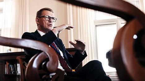 Matti Vanhanen palasi valtioneuvoston jäseneksi kymmenen vuoden tauon jälkeen. HS tapasi hänet Valtioneuvoston linnan työhuoneessa.