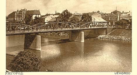 Postikortti Už-joen ylittävästä sillasta noin vuodelta 1920.