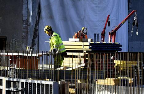 Luottamusindikaattori osoittaa, että työssä käyvät kokevat työttömyyden uhan lisääntyneen.