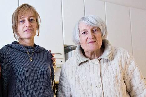 Ljudmila Markianova tyttärensä Elena Adelin kanssa helmikuussa 2016. Tuolloinkaan hän ei enää selvinnyt ilman apua, eikä osanut enää puhua normaalisti.
