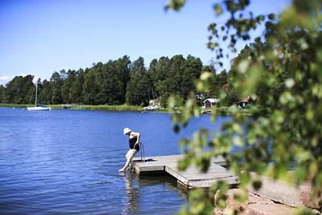 Kauniainen on keskituloilla mitaten Suomen ylivoimaisesti rikkain kaupunki. Kuva on viime kesältä.