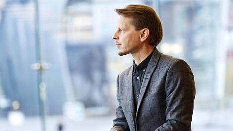 Professori Veli-Matti Puumala vakuutti kriitikon ja hämmensi osan yleisöä Root-teoksellaan.