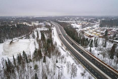 Tuusulanväylä on yksi Helsingin sisäänajoväylistä, jonka kaupunki aikoo muuttaa kaupunkibulevardiksi.